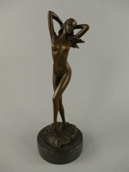 Figur Frau Bronze H.30x18cm
