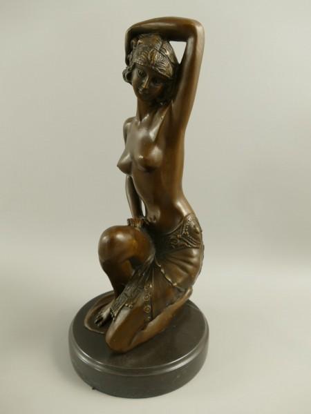 Bronze Figur Frau H.32x15cm