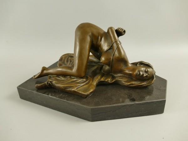 Bronze Figur Frau L.28x13cm