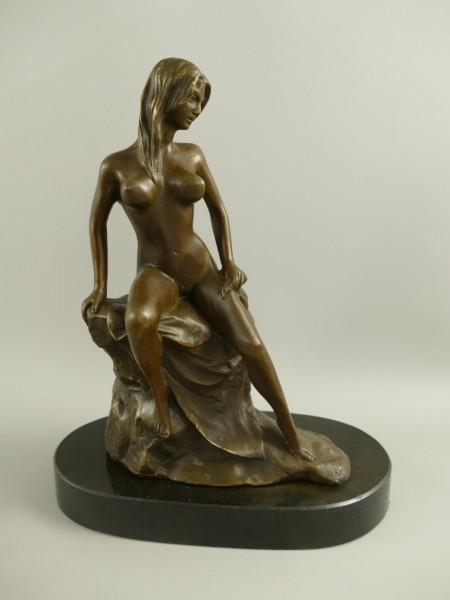 Bronze Figur Frau H.27x12cm