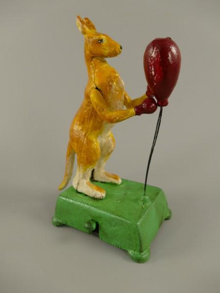 Känguru BOXBALL Gußeisen farbig H.19cm