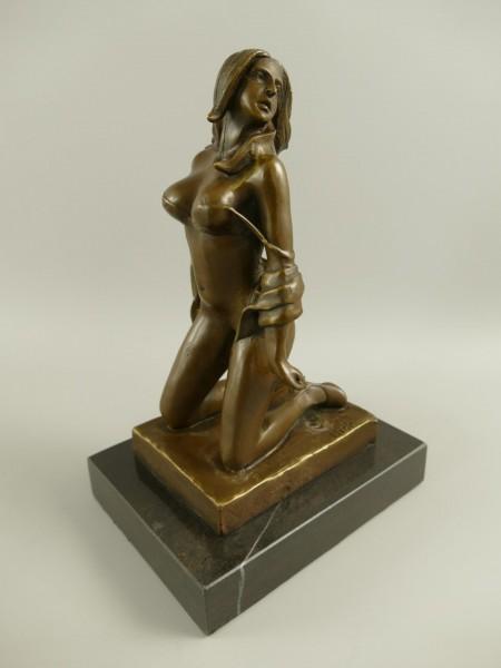 Bronze Figur Frau H.25x17cm