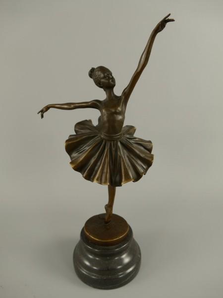 Figur Bronze Tänzerin H.32x17cm