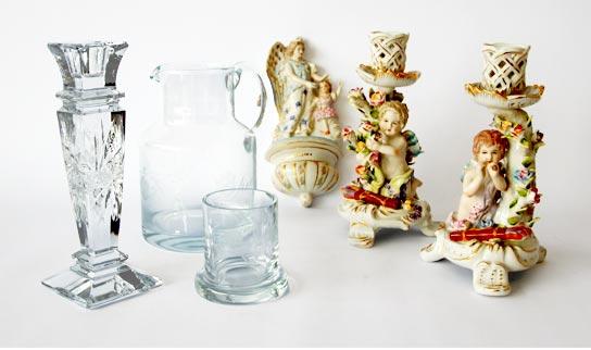 Glas-und-Porzellan-Gruppe