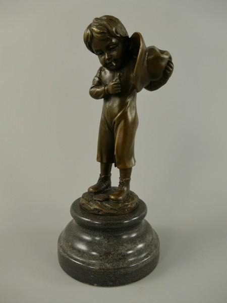 Figur Bronze Jungen mit Sigar und Hut H.22x10cm